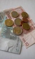 Photo de quelques euros, si casse ou article de vaisselle manquant.......