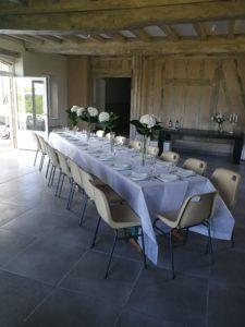 jolie table de reception d'une cliente